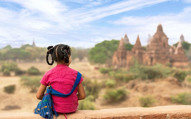 View ancient temples in Myanmar